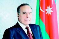 Heyder_Aliyev_sergi_300421 (1).jpg